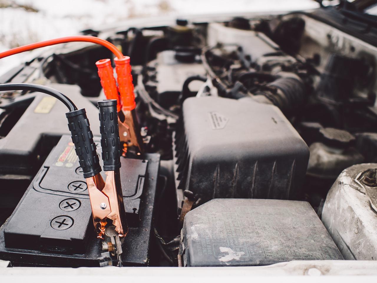 Causes et symptômes d'une batterie à plat.